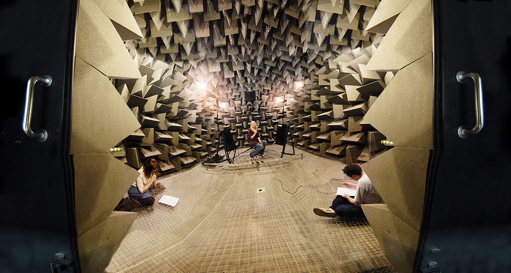 Students in the Anechoic Chamber_smaller